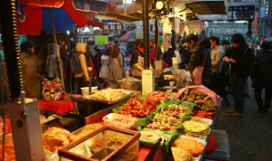 traditional food market